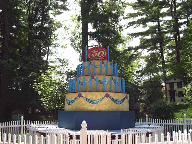 IMAGE(http://www.karenandjay.com/trips/ge704/cake.jpg)