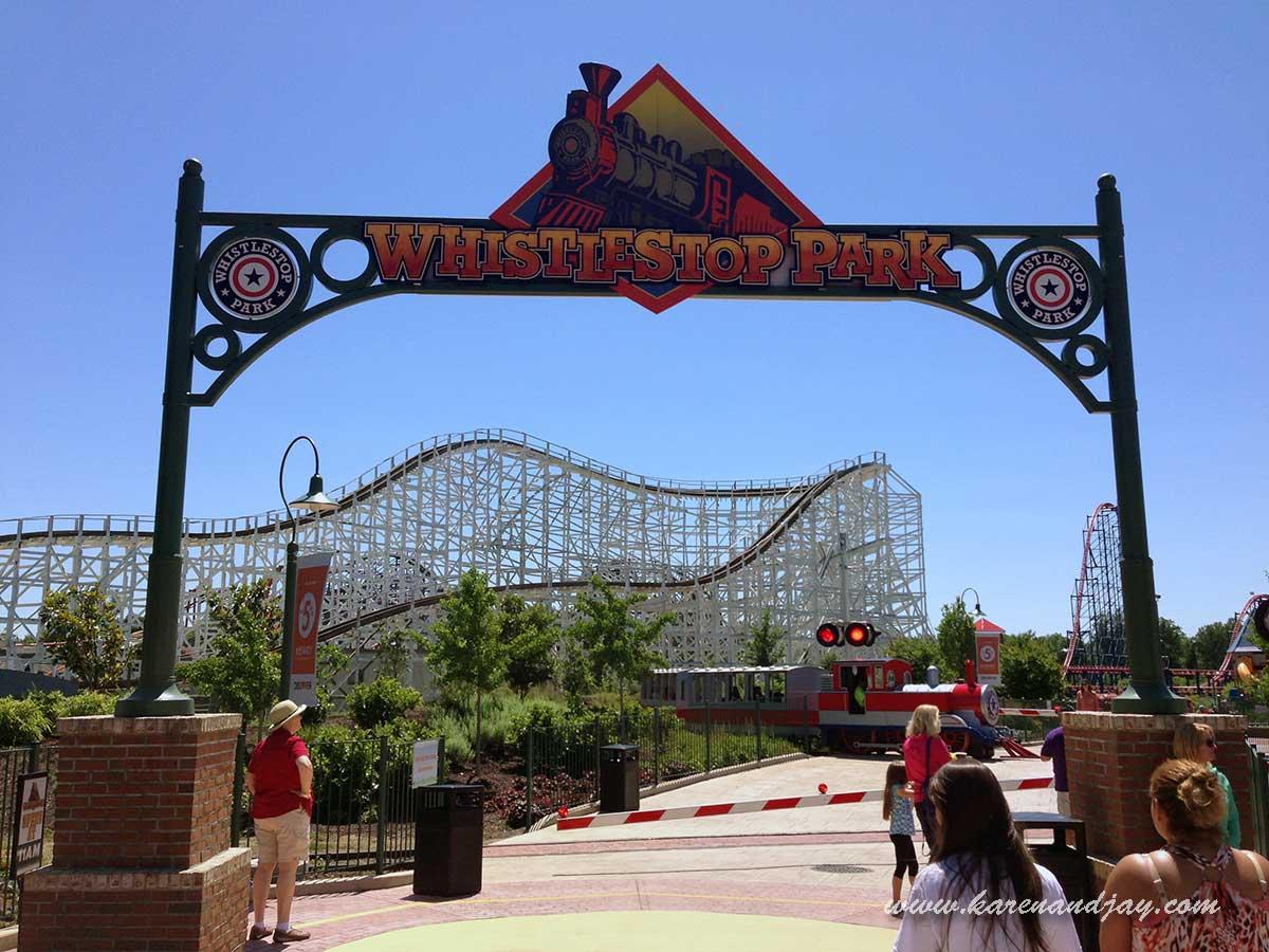 Six Flags America 2013